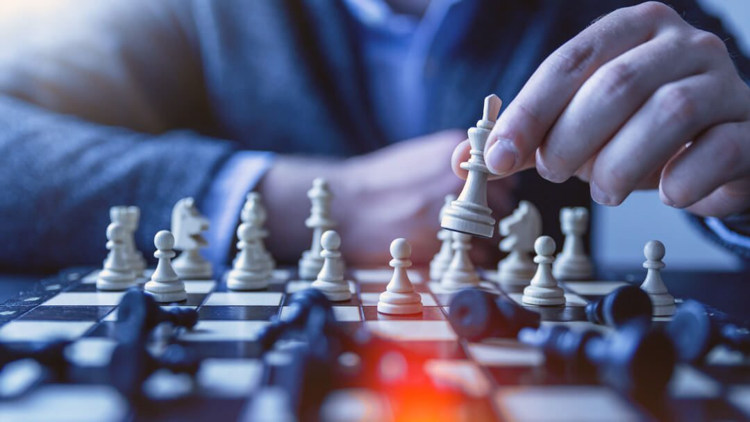 Atrapado en su mente: 5 trucos malabaristas para mejorar la toma de decisiones